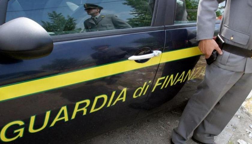 GUARDIA DI FINANZA NAPOLI:  EVASIONE FISCALE INTERNAZIONALE PER 90 MILIONI DI EURO. AI DOMICILIARI UN IMPRENDITORE. SEQUESTRI PATRIMONIALI IN TUTTA ITALIA