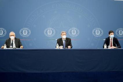 Il governo approva nuove misure anticovid per scuole, università e trasporti