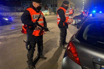 Napoli: Carabinieri impegnati nel quartiere Poggioreale: 49 persone edificate e 31 veicoli controllati
