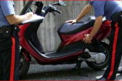 Carabinieri arrestano 4 baby rapinatori. Avevano minacciato con la pistola un sedicenne sottraendo cellulare scooter